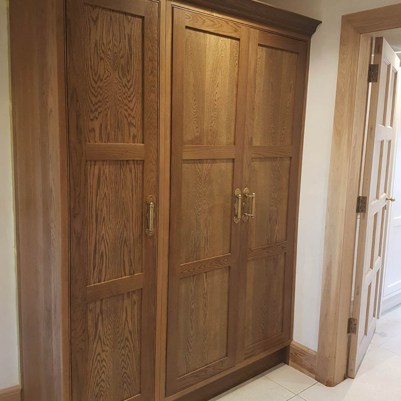 Cooper-Bespoke-Joinery-Bespoke-fitted-boot-room-utility-wooden-artisan-traditional