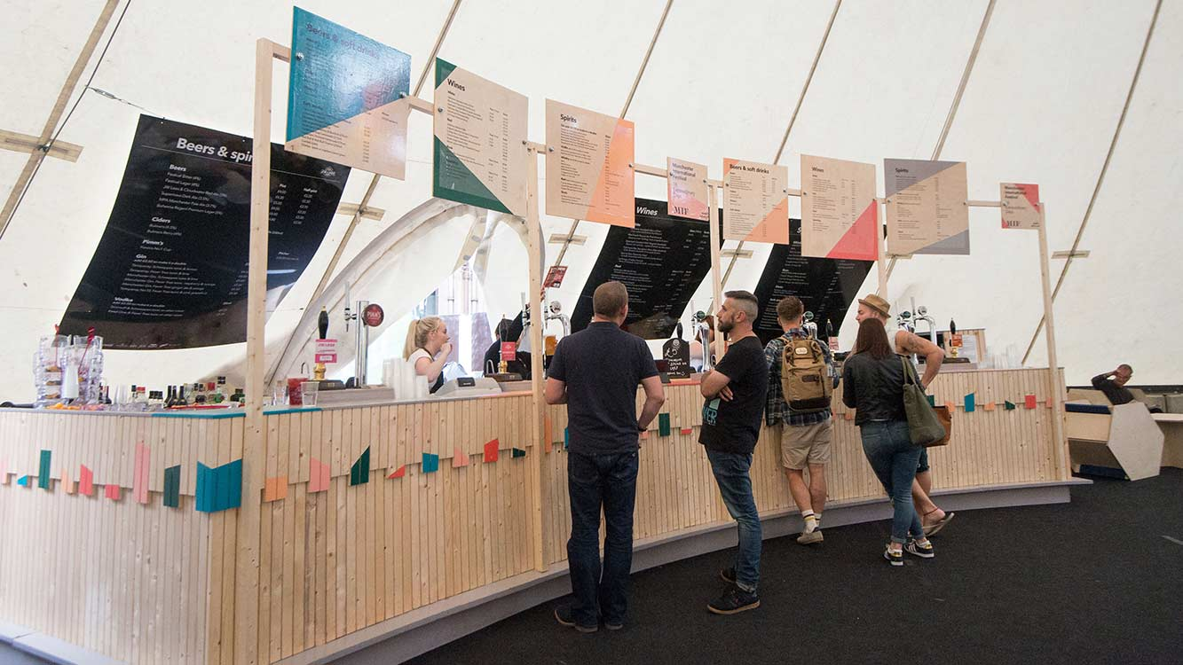 Cooper-Bespoke-Joinery-Lancashire-Greater-Manchester-Festival-International-Pop-Up-Bar-wooden