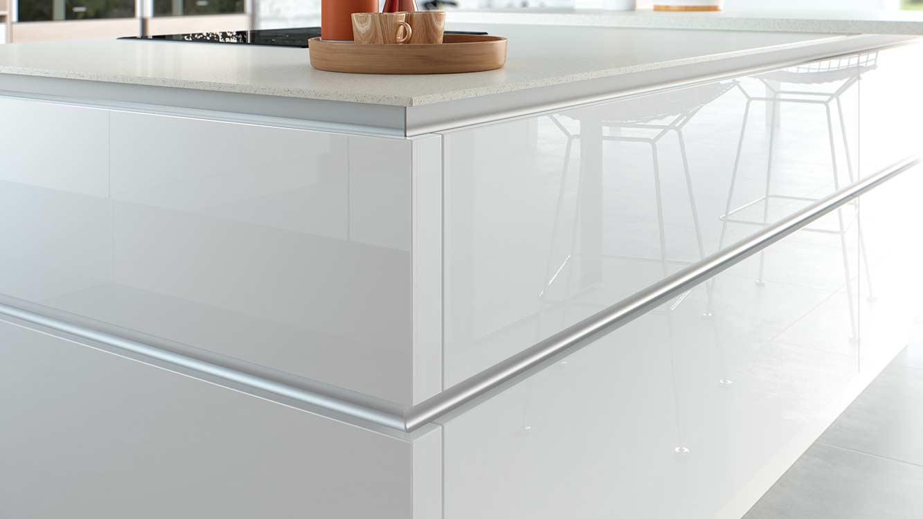 Masterclass-Kitchens-Blackburn-Lumina-Islandcloseup-HLINE-CMYK